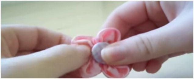 Come cucire a mano un fiore di stoffa