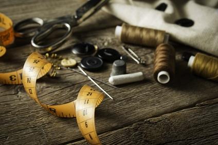 Come prendere le misure per cucire un abito