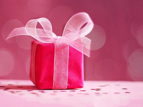 Idee regalo di Natale per appassionati di cucito creativo