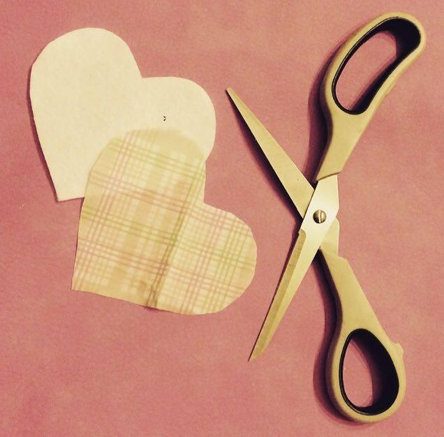 come cucire a mano un portaocchiali