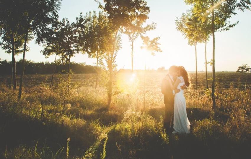Tutti i tessuti dell'abito da sposa. Come orientarsi e scegliere quello giusto