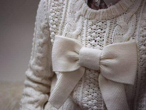 Come usare i fiocchi per abbellire abiti e accessori