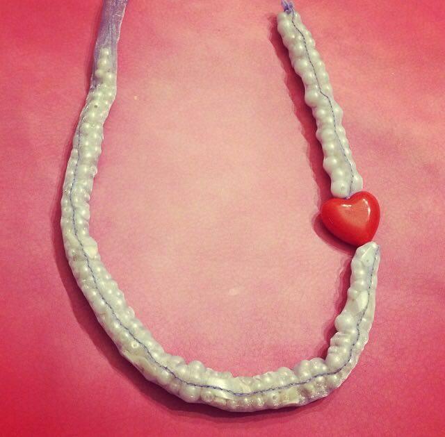 come cucire una collana fai da te per San Valentino