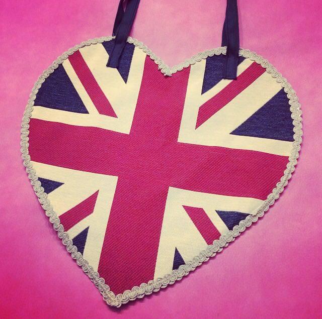 Come cucire la borsa a cuore con la Union Jack inglese