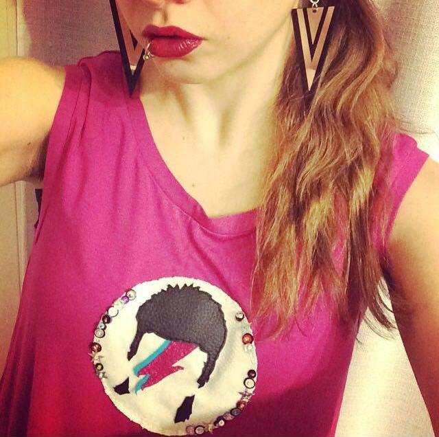 Come realizzare la maglietta tributo a David Bowie